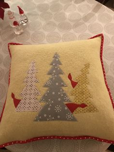 Throw Pillows, Projects, Cushions, Log Projects, Decorative Pillows, Decor Pillows