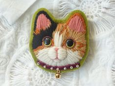 Brooch of 3 tortoiseshell cat's wool embroidery 1st