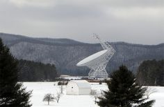 The Green Bank Telescope in West Virginia was the first to step up and award 36 hours to a team eavesdropping for transmitting extraterrestrial intelligence in multi-planetary star systems as identified by NASA's Kepler Space Telescope. Green Bank Telescope, Space Telescope, My Solar System, Search For Extraterrestrial Intelligence, Discovery News, Star System, Space Place, Life Form, West Virginia