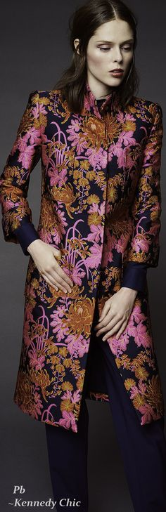 ZAC POSEN RESORT 2016 Fashion Week 2016, Runway Fashion, Fashion Show, Fashion Outfits, Womens Fashion, Fashion Design, Batik Fashion, Floral Fashion, Mode Chic