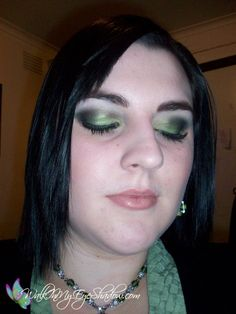 Makeup Monday - Green Smokey Look [Apr '10]