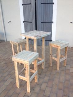 mange debout3 Mange debout et tabourets hauts en palettes in pallet outdoor project  with Terrace Table Stool Pallets Furnitures
