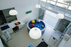 Hospital Veterinário Santa Catarina por Fantin Siqueira Arquitetura - http://www.galeriadaarquitetura.com.br/projeto/fantin-siqueira-arquitetura_/hospital-veterinario-santa-catarina/755#