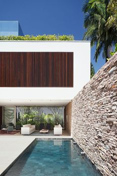 life1nmotion: AH House By Studio Guilherme Torres