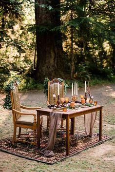 Sweetheart table at Cassy & Viva's bohemian Oregon destination wedding at Camp Lane. Image by Forthright Photo. Woodland Wedding, Farm Wedding, Boho Wedding, Destination Wedding, Whimsical Wedding Ideas, Cabin Wedding, Wedding Couples, Wedding Planning, Dream Wedding