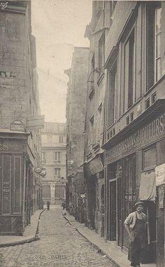 Rue de la Parcheminerie.