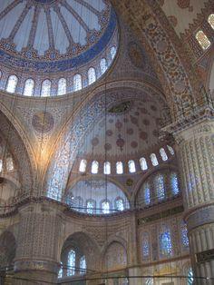 Blue Mosque, interior http://www.farhorizons.com/trips/europe/turkishtreasures/TurkishTreasures.php