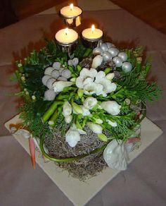 kerstdecoratie maken tafelstuk kerststuk soorten kerststukjes kerststukje kerst bloemen rozen bloemschikken