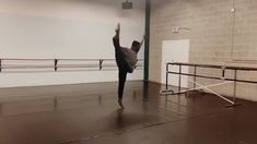 modern dance videos choreography Wow Amazing Jaxon Willard Blake McGrath - Dive in the Water Ballet Dance Videos, Dance Music Videos, Dance Choreography Videos, Dance Moms Videos, Dance Photography Poses, Dance Poses, Ballet Vintage, Baile Hip Hop, Cool Dance Moves