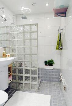 Trendy home gym small bath Ideas Bathroom Design Luxury, Bathroom Design Small, Bathroom Layout, Bathroom Interior, Small Bathroom With Shower, Tiny House Bathroom, Simple Bathroom, Glass Block Shower, Shower Remodel