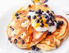 Puszyste placki jogurtowe z jagodami Pancakes, Good Food, Food And Drink, Cooking Recipes, Favorite Recipes, Breakfast, Ethnic Recipes, Metabolism, Diet