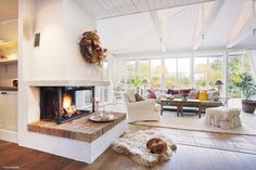 Öppen spis Interior Design Living Room, Living Room Designs, Dream Home Design, Open Plan Living, Best Interior Design, House Rooms, Building A House, Decoration, Home Decor