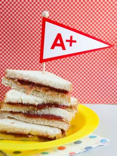 Need back to school food ideas for your party? These suggestions are sure to get you an A+. Serve up some classic pb sandwiches, drink bottles with word strips taped around them, and alphabet sugar cookies.