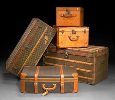 Cases + Trunks #Leather #Patina via http://www.curatedobject.us