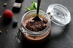 Hľadáte dokonalý a pritom jednoduchý recept ako si pripraviť čokoládovú penu? Moja čokoládová pena je len z 3 ingrediencií, určite vám bude chutiť!