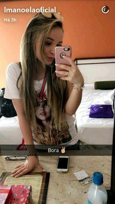 Larissa Manoela via snapchat