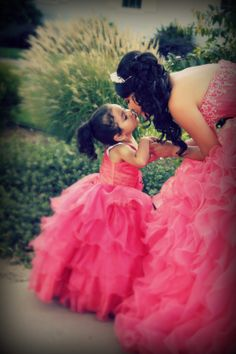 Beautiful Quinceanera with little sister<3