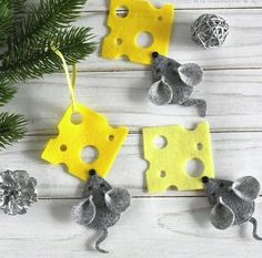 New Year's Crafts, Yarn Crafts, Felt Crafts, Sewing Crafts, Crafts For Kids, Etsy Christmas, Christmas Sewing, Christmas Crafts, Christmas Ornaments