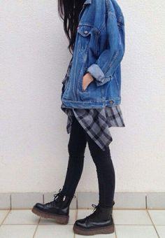 Oversized Denim jacket - http://ninjacosmico.com/18-must-have-grunge-accessories-clothing/5/: