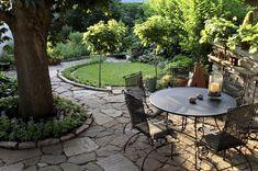 120 stunning romantic backyard garden ideas on a budge (119)
