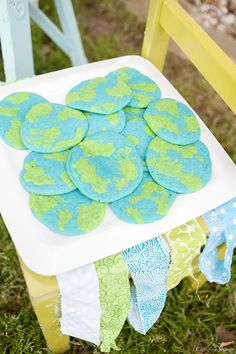 Earth Day Cookies or Globe cookies for Earth Day celebration or party. So simple to make!