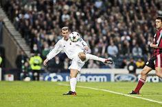 Zidane-ầu thủ hay nhất lịch sử bóng đá châu âu.http://xoso.wap.vn/ket-qua-xo-so-an-giang-xsag.html http://xoso.wap.vn/ket-qua-xo-so-vung-tau-xsvt.html http://xoso.wap.vn/ket-qua-xo-so-da-lat-xsdl.html
