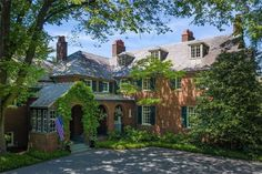 """Old Long Island on Instagram: """"'Preference', the Lawrence Bell Van Ingen Sr. estate designed by Thomas Hastings of Carrere & Hastings c. 1924 in Locust Valley. Van Ingen…"""" Gold Coast Long Island, Locust Valley, Cedar Paneling, Oval Pool, Valley Village, Entrance Foyer, House Built, Estate Homes, East Coast"""
