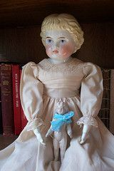 china sisters (Cydril) Tags: china frozen doll charlotte antique mary highland german