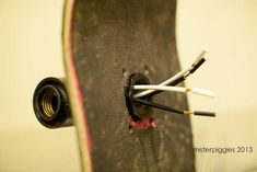 Post with 34891 views. /r/DIY asked, so here is how to build something like my skateboard light. Skateboard Lampe, Make A Skateboard, Skateboard Light, Skateboard Decor, Skateboard Furniture, Diy Bedroom Decor, Diy Home Decor, Light Bulb Art, Wood Cladding