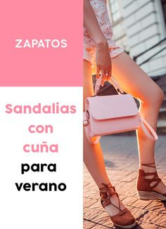 ¡Encuentra tus #sandalias con #cuña para este #verano! #moda #looks Clarks, Fitbit, Shoes, Fashion, Black Wedges, Color Streaks, Comfortable Sandals, Flat Sandals, Ribbon Design
