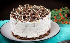 Λαχταριστή τούρτα παγωτό με δημητριακά και πραλίνα φουντουκιού μόνο με 4 υλικά- Ice cream cake ONLY with 4 ingredients (VIDEO)!   Sokolatomania Sokolatomania Tiramisu, Ice Cream, Cooking, Cake, Ethnic Recipes, Desserts, Food, Youtube, No Churn Ice Cream