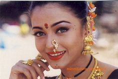 aishwarya wearing traditional marathi jewelry