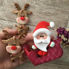Ideas cake christmas ornament polymer clay for 2019 Polymer Clay Ornaments, Polymer Clay Figures, Fimo Clay, Polymer Clay Projects, Polymer Clay Creations, Polymer Clay Art, Noel Christmas, Christmas Crafts, Christmas Ornaments