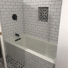 Bathroom Styling, Bathroom Storage, Bathroom Organization, Bathroom Cleaning, Budget Organization, Bathroom Shelves, Glass Shelves, White Bathroom, Bathroom Interior