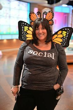 Clever and cute Halloween costume! #SocialButterfly