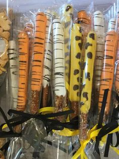 Jungle Animal Themed Chocolate Covered Pretzel Rods Tiger - All You Need To Know About Baby Shower Jungle Theme Birthday, Jungle Theme Parties, Zoo Birthday, Safari Theme, Safari Party, Jungle Theme Food, Games Jungle, Jungle Party Snacks, Animal Themed Birthday Party