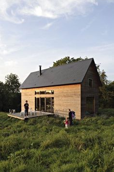 Lode architects packed many thoughtful features into this weekend rural modern cabin.