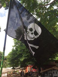 @CasettaRossa La pazienza per noi ha un limite.È ora di dissotterrare l'ascia di guerra e far sventolare la bandiera pirata