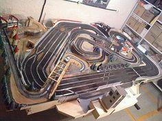 Ho Slot Cars, Slot Car Racing, Slot Car Tracks, Race Tracks, Scalextric Track, Race Car Sets, Car Racer, Model Train Layouts, Rc Cars