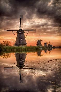 Sunrise, Kinderdijk, Holland 22-09-17 by Karel Ton