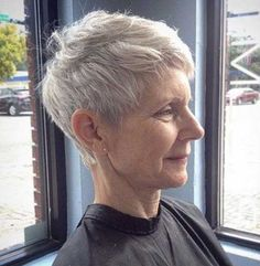 Pixie-Crop-Haircut Short Hairstyles for Older Wome. Pixie-Crop-Haircut Short Hairstyles for Older Women with Thin Hair Short Grey Hair, Very Short Hair, Short Hair Cuts For Women, Short Hair Styles, Gray Hair, Black Hair, Purple Hair, Hairstyles Over 50, Short Hairstyles For Women