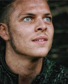 Ivar Vikings, Vikings Ragnar, Ragnar Lothbrok, Lagertha, Ivar Le Désossé, Ivar Ragnarsson, Sons Of Ragnar, Vikings Show, Ivar The Boneless