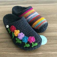 Herkese güzel bir haftasonu diliyorum 🌷 Tüm güzellikler sizlerle ve sevdik… I wish everyone a nice weekend 🌷 May all the beauties be with you and your loved ones 🌷. Crochet Slipper Boots, Knitted Slippers, Crochet Baby Booties, Knitted Dolls, Crochet Slipper Pattern, Knit Crochet, Crochet Patterns, Knitting Patterns, Diy Crafts Crochet