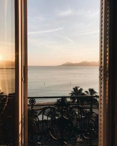 // hautealex shared by 𝙖𝙡𝙚𝙠𝙨𝙖𝙣𝙙𝙧𝙞𝙖 on We Heart It Beautiful World, Beautiful Places, Window View, Travel Inspiration, Places To Go, Travel Photography, Amazing Photography, Scenery, Around The Worlds