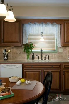 When you enjoy your kitchen space, preparing meals ceases to feel like a chore. When you cook more meals at home, you tend to eat healthier food. Ipso facto: a kitchen update could very well improve your health! 🥗  #kitchenremodel #healthymeals #eathealthy #kitchendesignideas #kitchendesign #homeimprovement