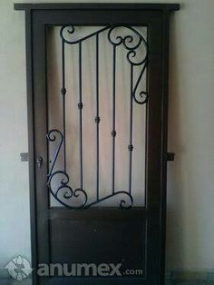 Otra puerta Window Grill Design, House Gate Design, Iron Work, Tool Storage, Wrought Iron, Candle Sconces, Security Doors, Wall Lights, Windows