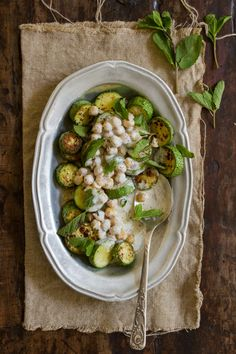 zucchini, chickpeas and yogurt. קישואים ביוגורט וחומוס