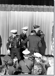 Elvis Presley - The End Of The Press Conference, Fort Dix, March 3, 1960.