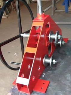 Metal Bending Tools, Metal Working Tools, Balcony Grill Design, Metal Bender, Metal Gates, Iron Art, Homemade Tools, Mechanical Engineering, Cool Tools