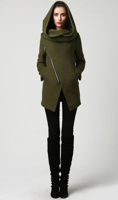 Womens Short Green Wool Coat with Oversized Hood by xiaolizi